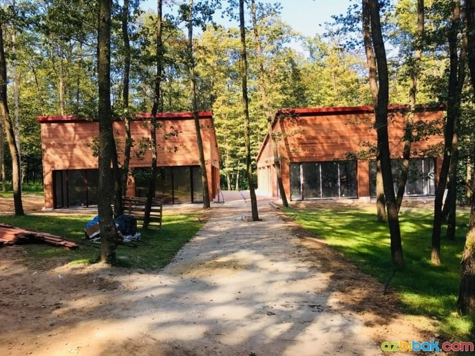 Ormanya İçerisindeki Yapılar
